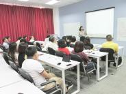 Lớp Thạc sĩ MBA nghiên cứu Quản trị doanh nghiệp cùng TS. Nguyễn Thị Việt Hà